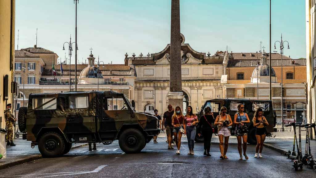 roma-piazza-del-popolo-blindati-esercito
