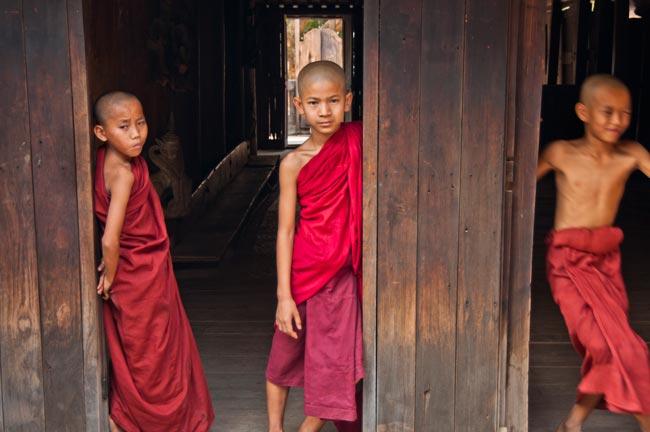 1811-Birmania-Bagan-vill_Taung_Bi-mon_Nathtaung