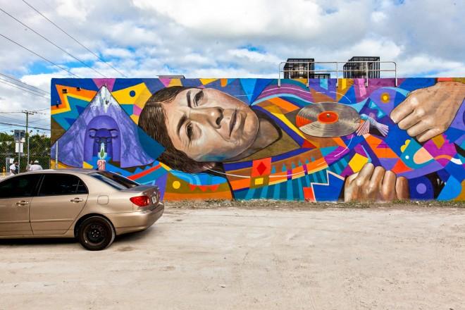 """In uno dei tanti parcheggi di Wynwood ecco l'opera di Daniel Cortez, altrimenti noto come """"El Decertor""""."""
