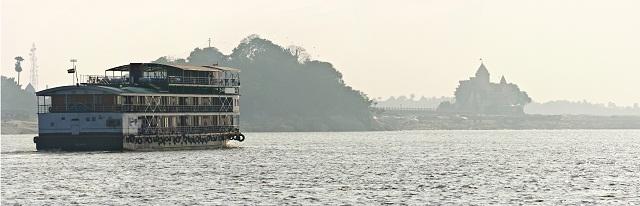 India crociera sul gange il fiume sacro for Cabine del fiume bandera