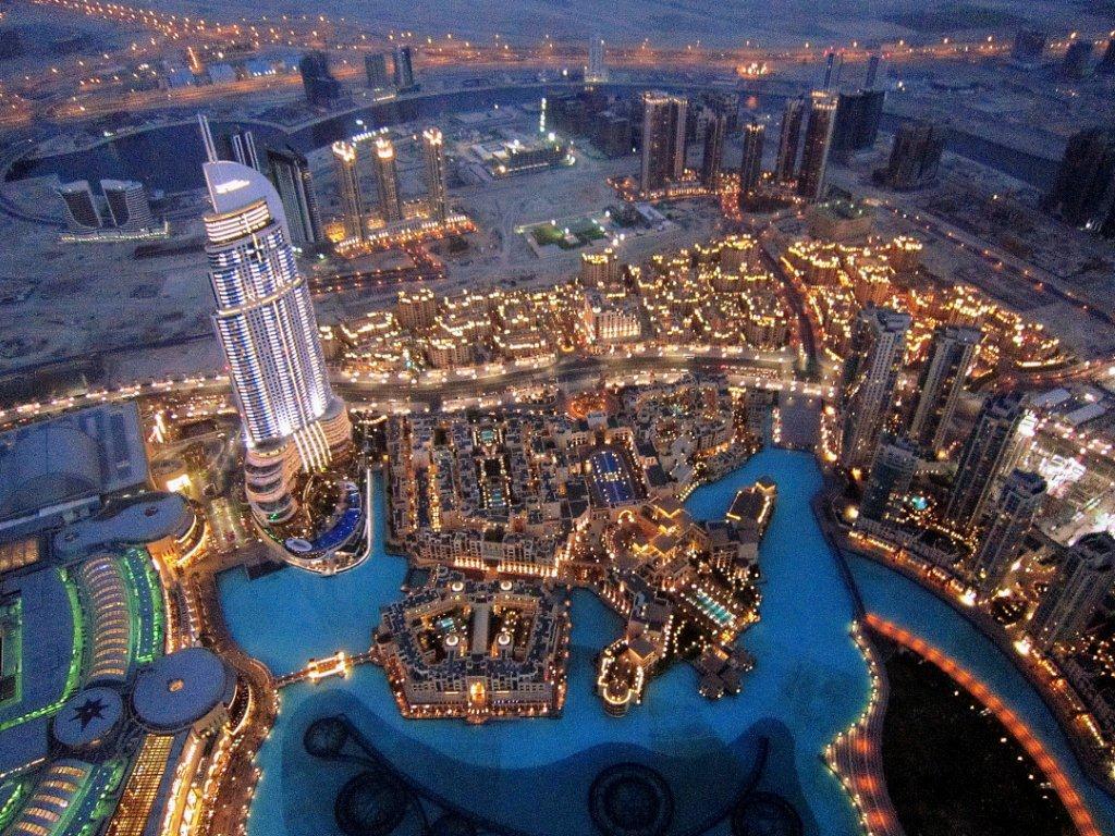 Il grattacielo pi alto del mondo a dubai in 60 secondi for Grattacielo piu alto del mondo