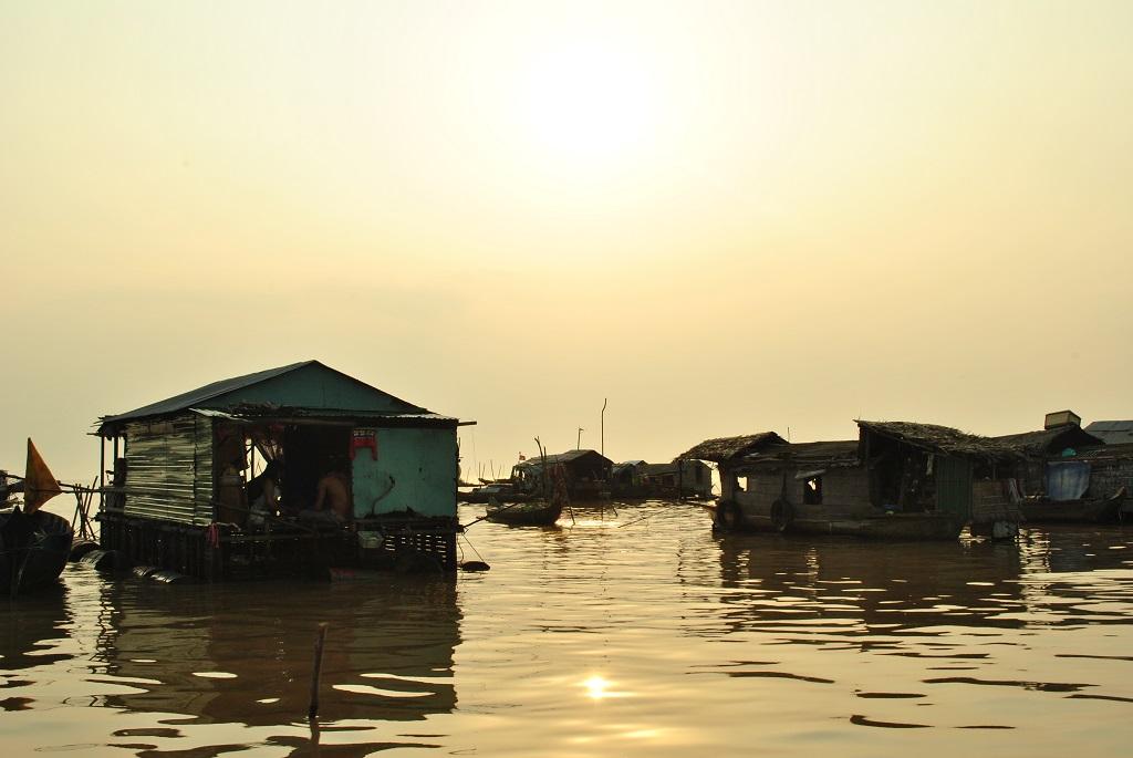 Case galleggianti nei pressi di Cai Be
