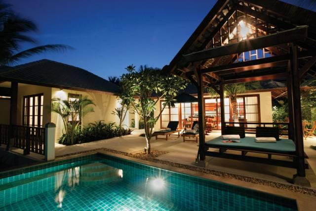 Thailandia una villa sul mare latitudes for Ville di lusso sul mare