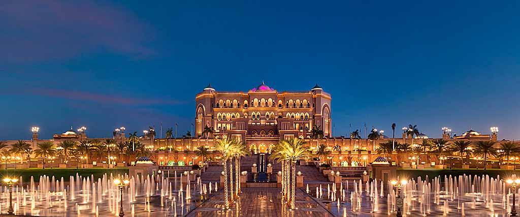 emirates-palace-abu-dhabi-dusk-foto-kempinski