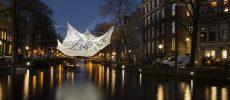 Amsterdam, l'arte che illumina la città