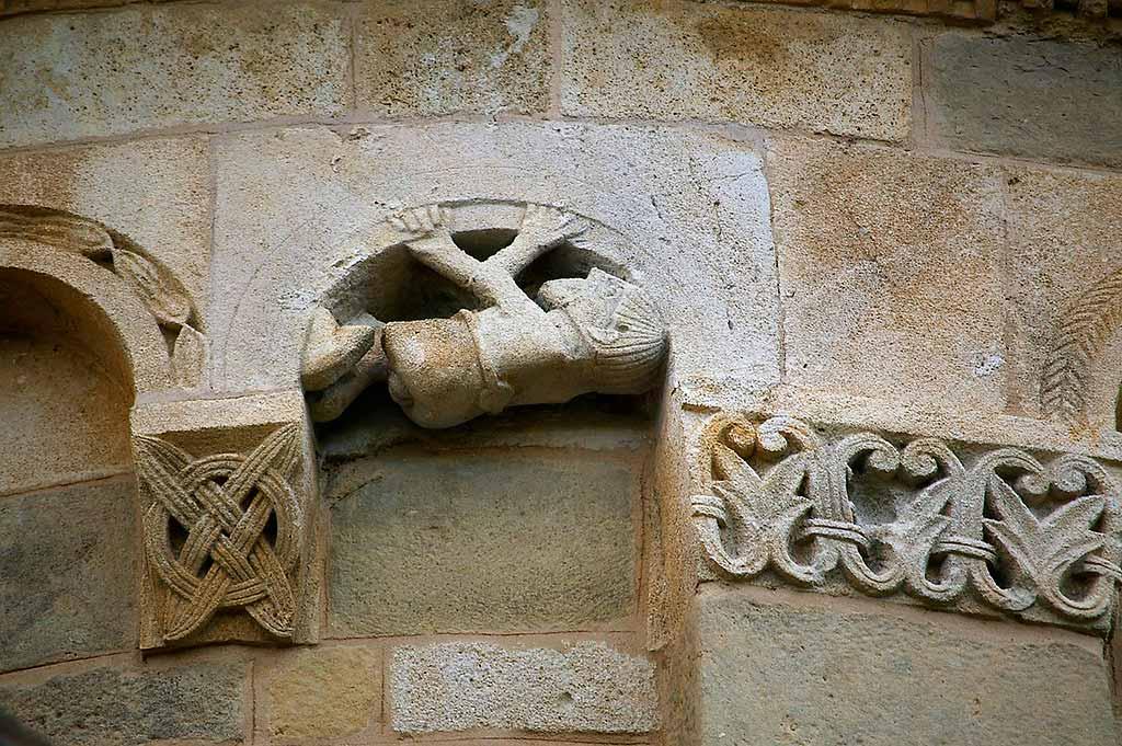 Asti-dettaglio-chiesa-romanica