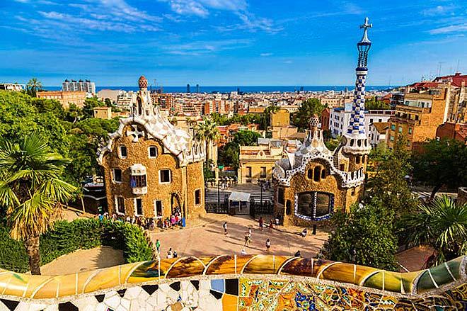 Una veduta del Parc Guell a Barcellona