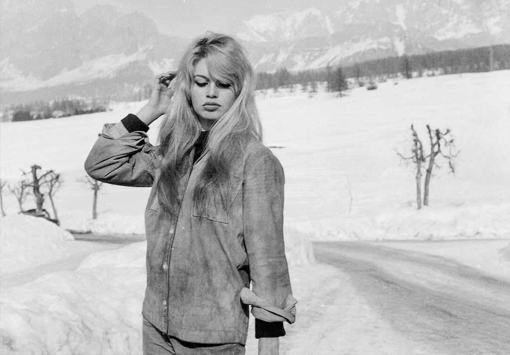 Brigitte-Bardot-Cortina