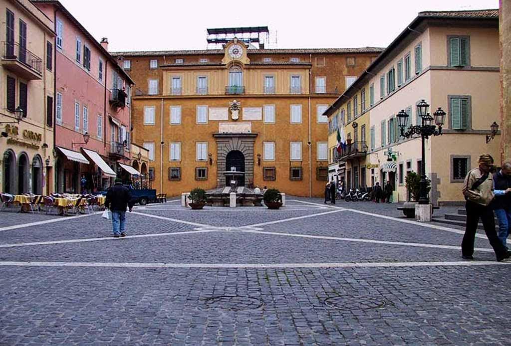CASTEL-GANDOLFO-PIAZZA-Castelli-Romani
