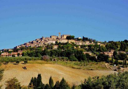 Il Touring invita a scoprire i borghi d'Italia arancioni