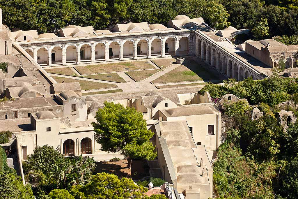Certosa-San-Giacomo-Capri