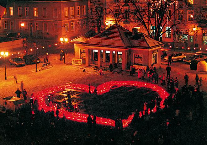 Chelmno-24-Walentynki-serce-z-lampionow-fot-E-pawelec