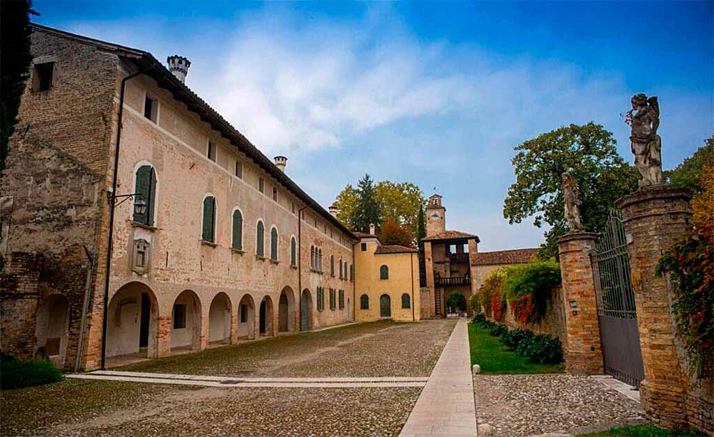 Corcovado-friuli-borgo-medievale