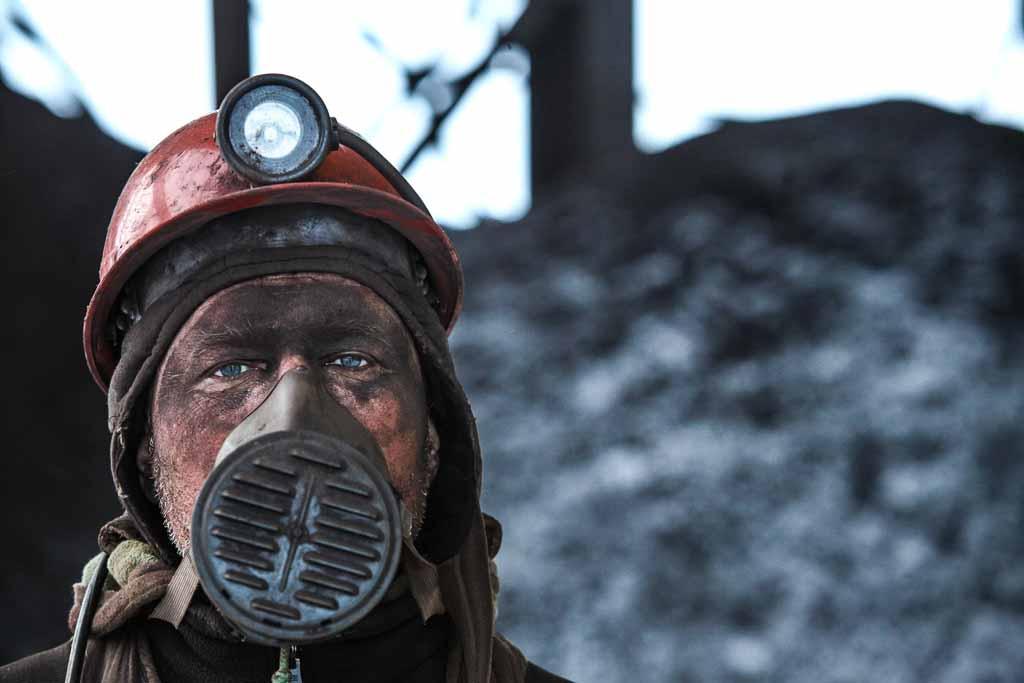 svalbard-minatore-russo-miniera-carbone