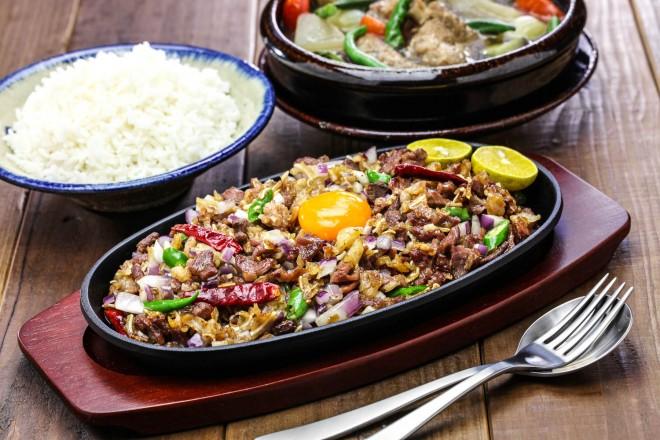 Food_sisig and sinigang, filipino cuisine_shutterstock_518419654