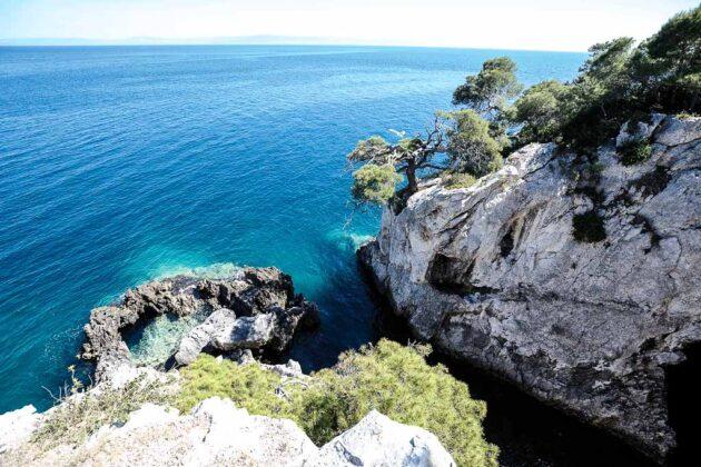 isole-Tremiti-puglia-grotta-viole