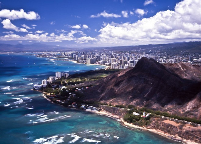 Hawaii, Oahu Island, Honolulu and the Diamond Head (in the foreground) from the air
