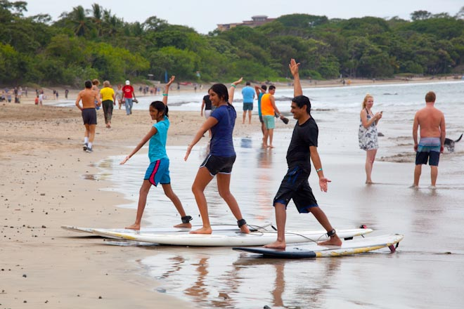 Surf a Tamarindo Beach