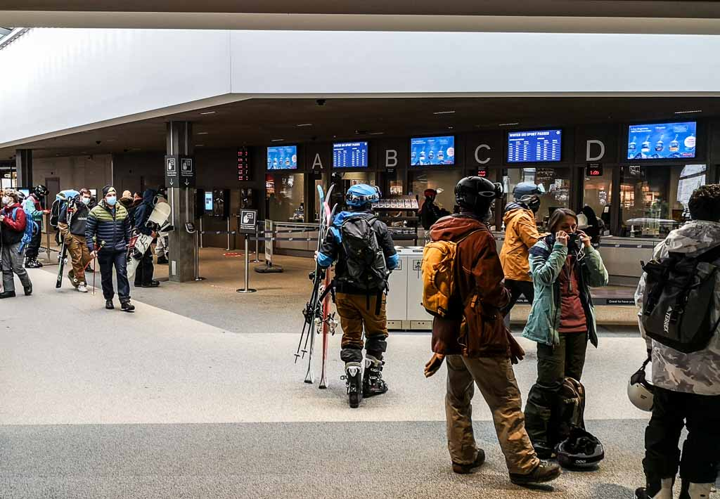 svizzera-V Bahn-terminal