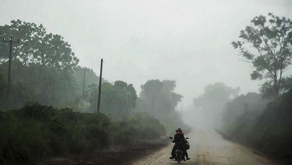 cambogia_moto_temporale