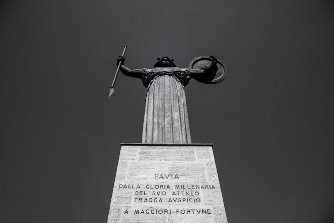La statua di Minerva a Pavia