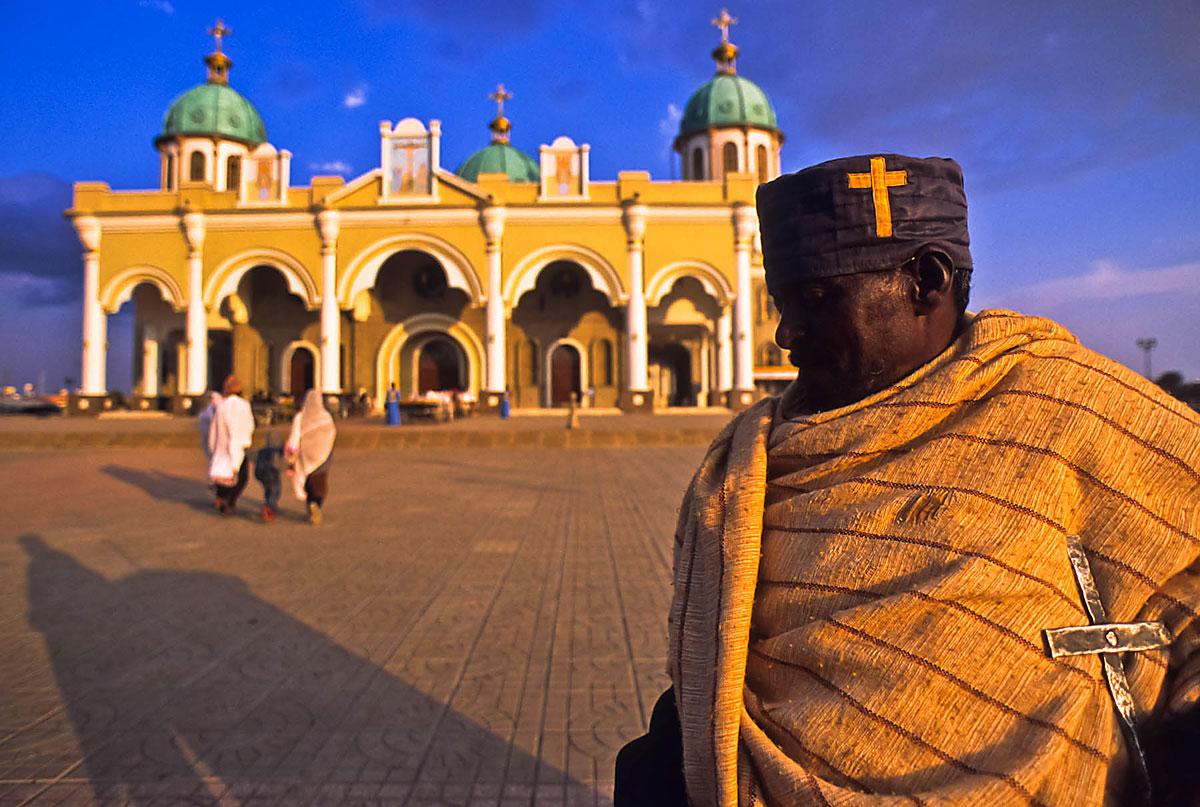 Luci del tramonto sulla cattedrale di Addis Ababa