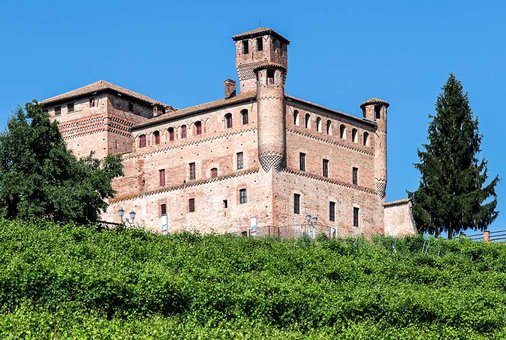 castello-grinzane-cavour-langhe