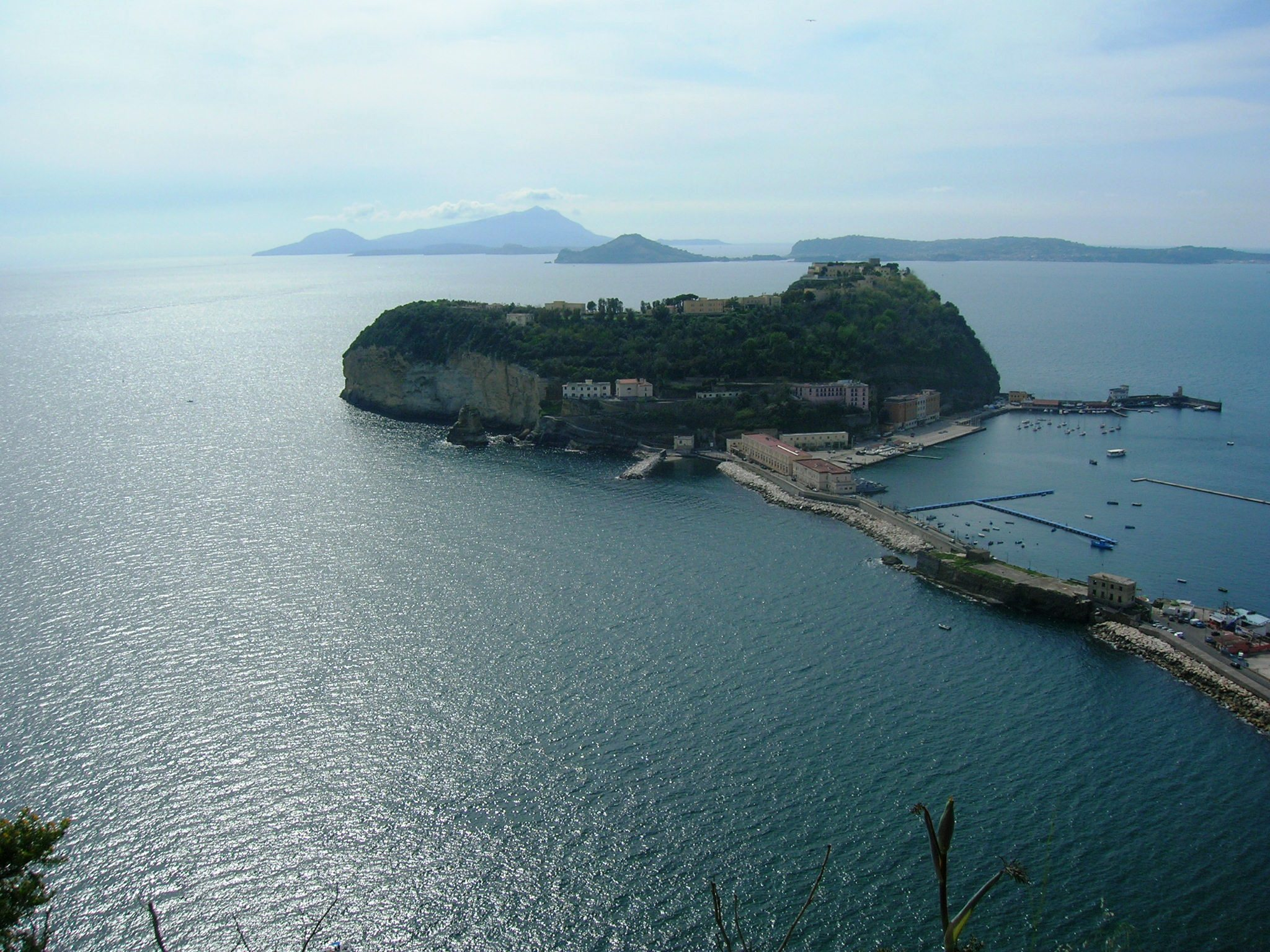 Napoli, Isola di Nisida - Foto di Mentnafunangann