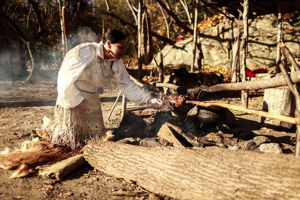 Nativi Wampanoag nella località di Plymouth