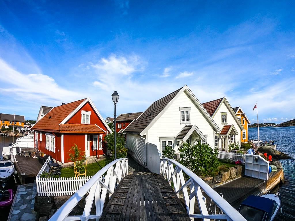 Norvegia-villaggio-di-Lyngor