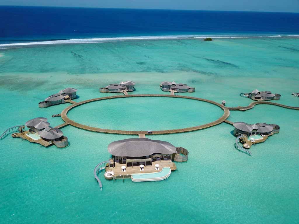 Maldive-water-villa