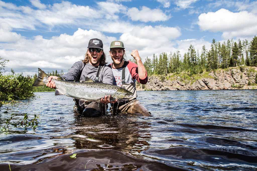 lapponia-svedese-salmone-pescatori