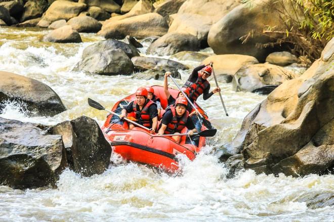 Philippines_Rafting_adventure_shutterstock_253603327 (1)