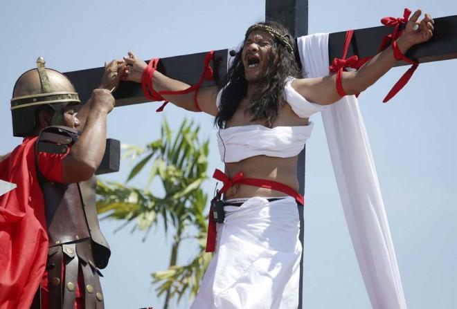 Filippine, crocifissioni per il Venerdi Santo