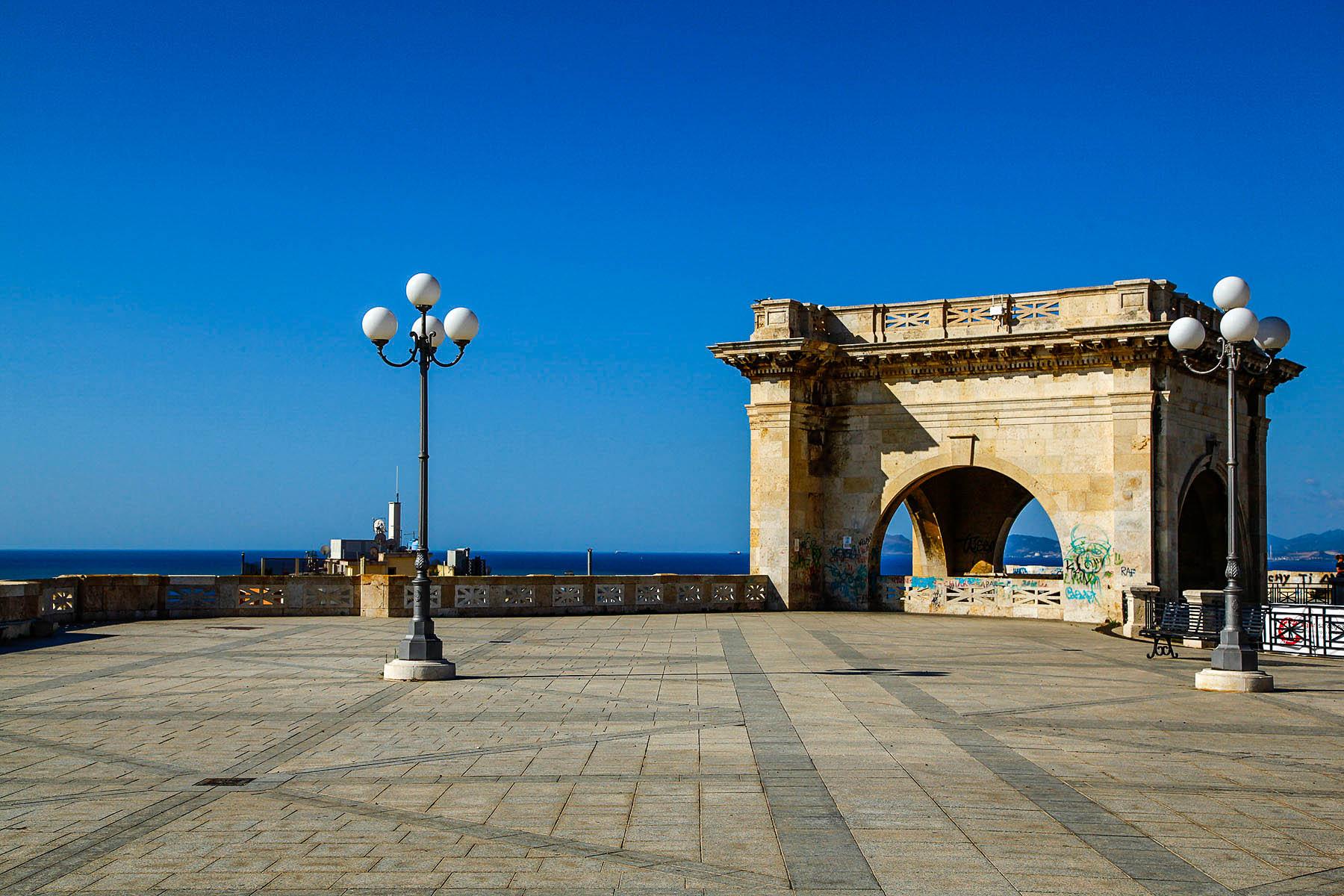 Cagliari Con Vista Latitudes
