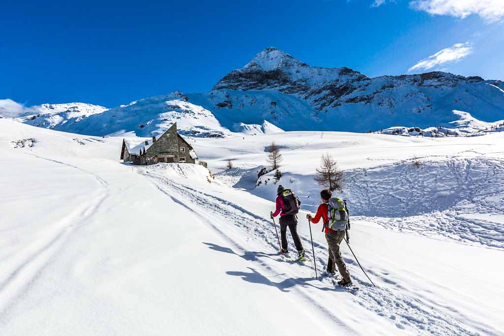 Valmalenco_Alpe-Campagneda_Ciaspole_PizzoScalino_Rifugio-Ca-Runcasch
