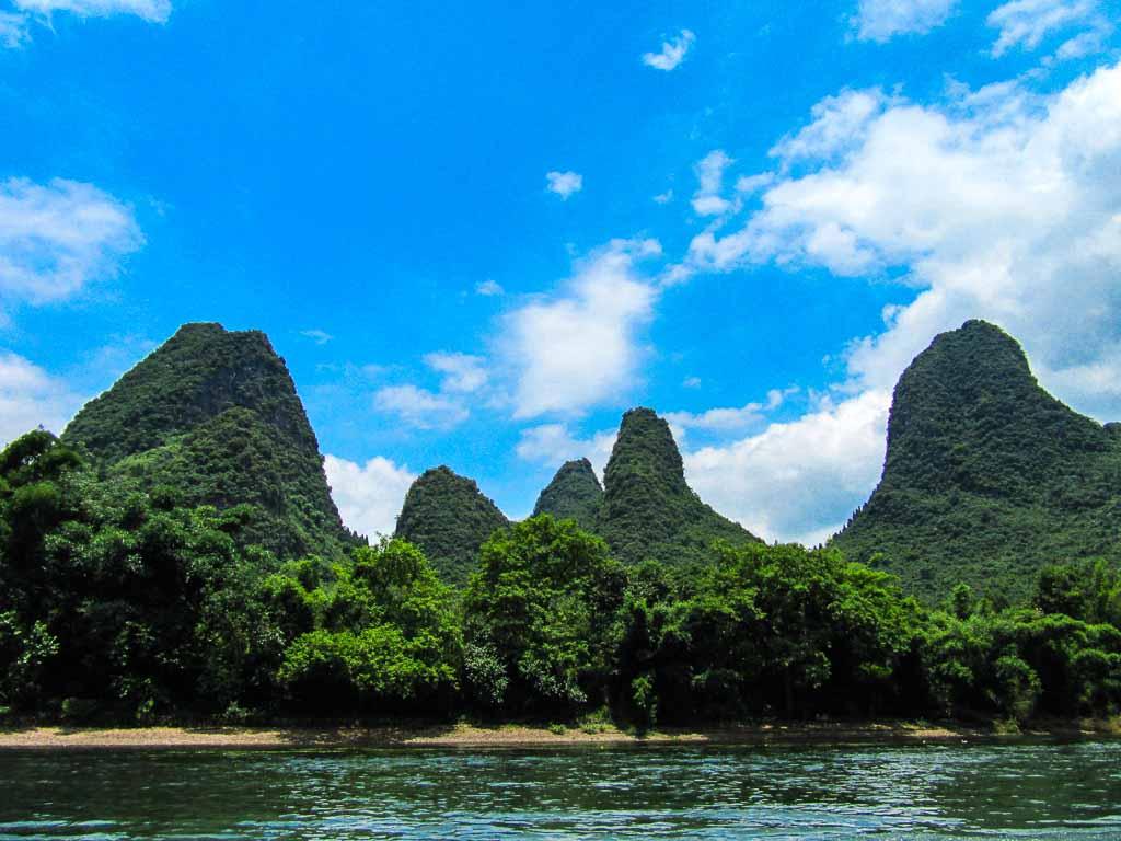 Cina-Yangshuo-Montagne-carsiche