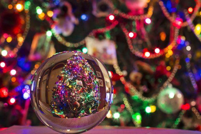 Immagini Di Natale Nel Mondo.Addobbi Degli Alberi Di Natale Nel Mondo Latitudes
