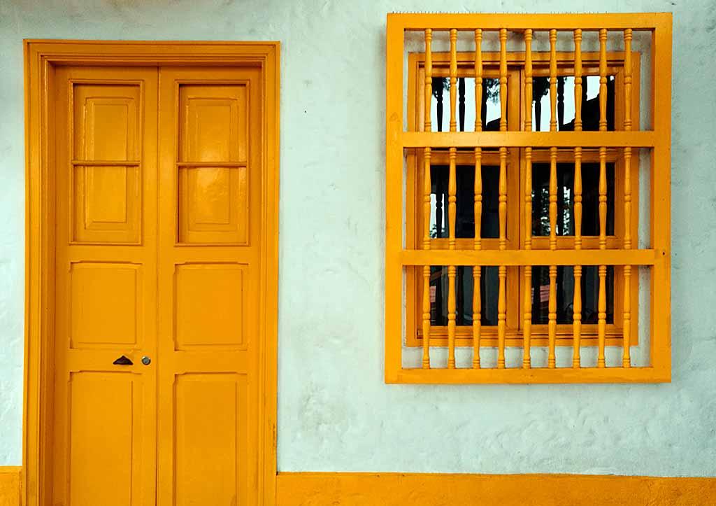 colombia-medellin-porta