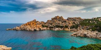 corsica-baia-isolata