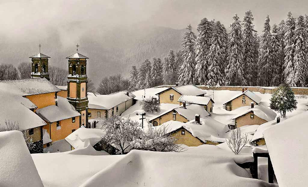 eremo-camaldoli-sotto-la-neve