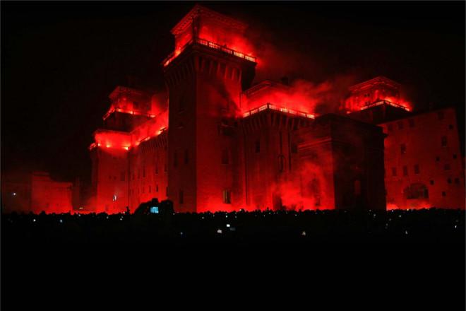 Capodanno a Ferrara, incendio del Castello