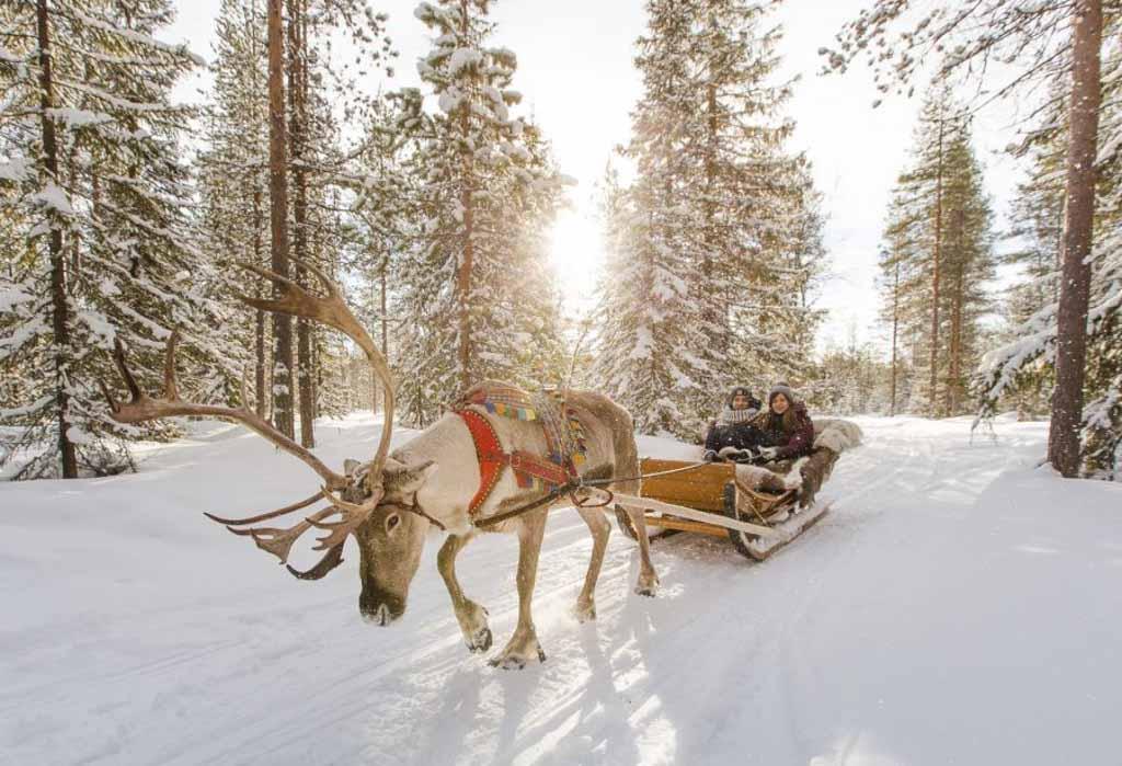 Rovaniemi Finlandia Villaggio Di Babbo Natale.Dove Abita Babbo Natale Latitudes