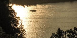 lucerna_tramonto_lago