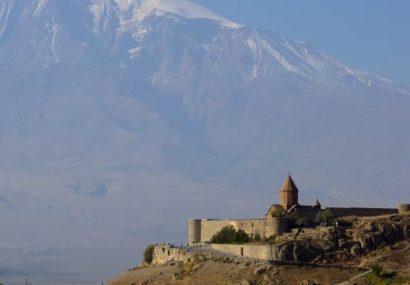 Viaggio in Armenia, monasteri e khachkar all'ombra del Monte Ararat