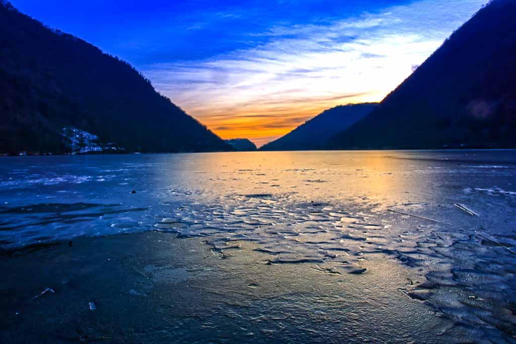 lago-segrino-ghiacciato-inverno