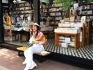 Saigon, Vietnam. Una via di sole librerie