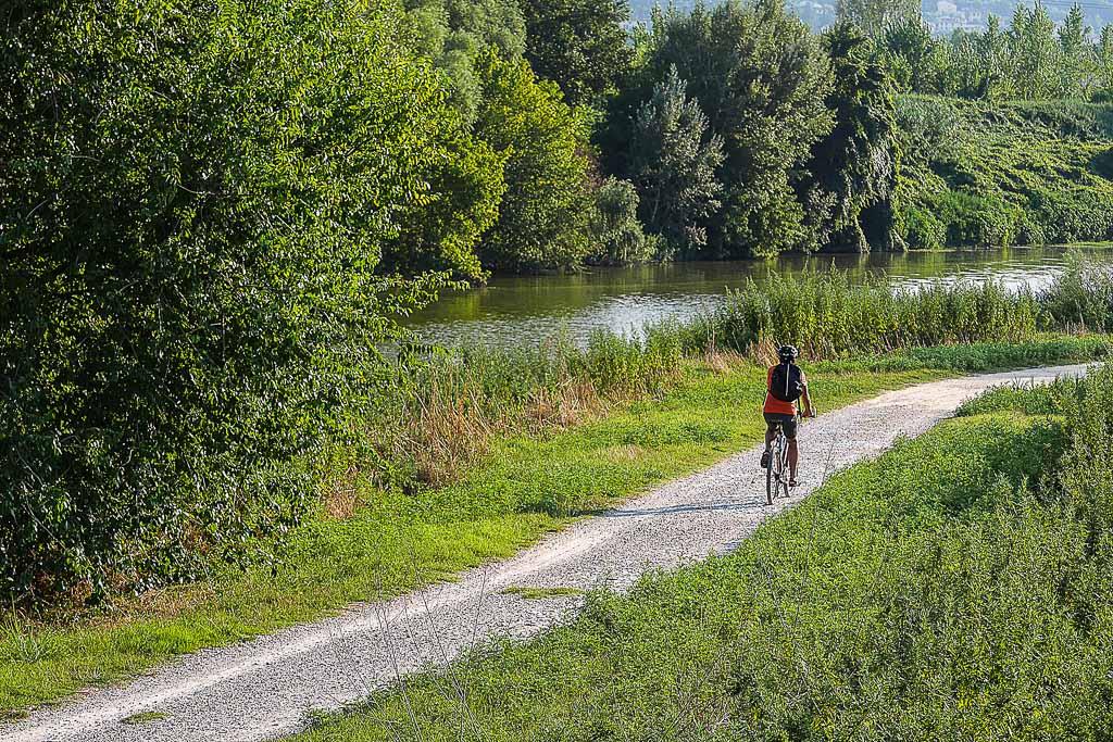 Pista ciclabile dell'Arno, Signa (FI), Toscana, Italia
