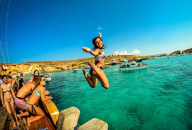 malta_splashing