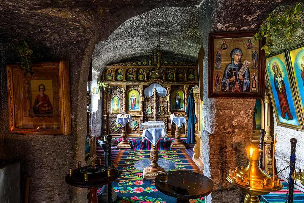 moldavia-monastero-interno
